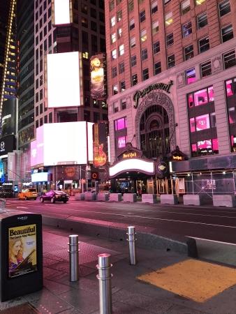 2018-NYC-iphone 315
